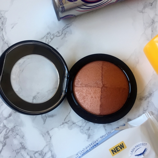 Mac Perfectly lit bronzing powder